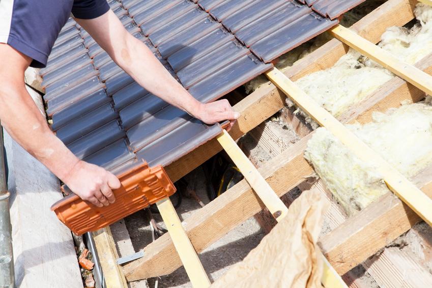 Prix de pose d 39 une toiture tarif moyen co t de pose - Cout moyen renovation ...