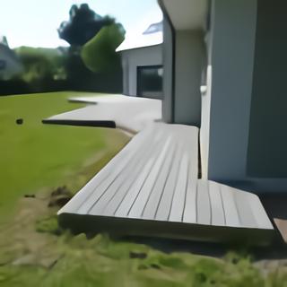 Petite terrasse bois accès grande