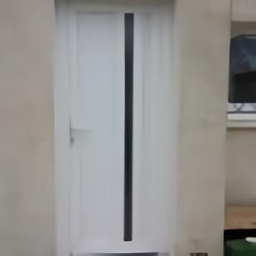 Porte entrée PVC en rénovation