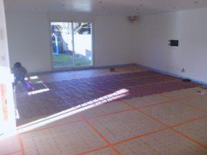 5 infos savoir sur le plancher chauffant lectrique. Black Bedroom Furniture Sets. Home Design Ideas